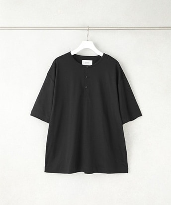 SPLASH CONTROL BIG SILHOUETTE HENRY NECK TEE SHIRT