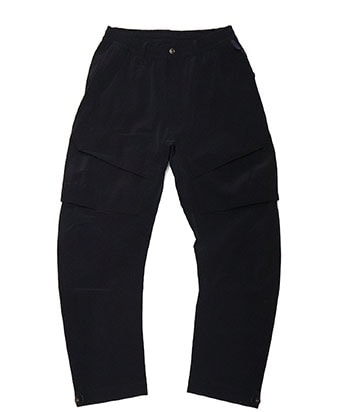 THE STRETCHED TWILL FABRIC TRAINING PANTS