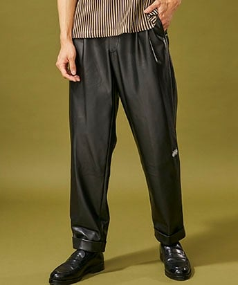 FAKE LEATHER 2TUCK TAPERED PANTS