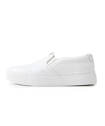 MINIMAL SLIP-ON SNEAKERS